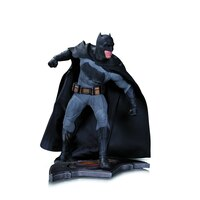 Batman v Superman Dawn of Justice: Batman - Statue