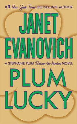 Book Plum Lucky: A Stephanie Plum Between-the-Numbers Novel by Janet Evanovich