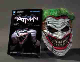 Batman: Death Of The Family Book And Joker Mask Set by Scott Snyder