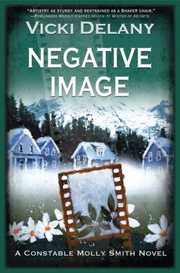 Book Negative Image: A Constable Molly Smith Mystery by Vicki Delany