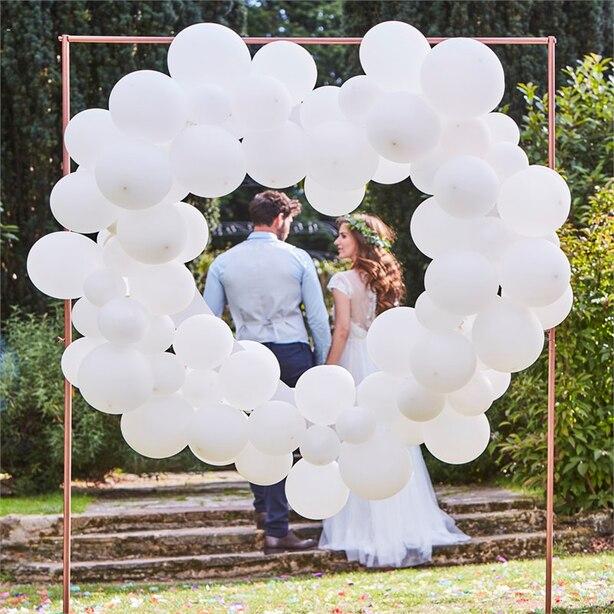 BOTANIC WEDDING - TOILE DE FOND DE BALLONS FORME CŒUR