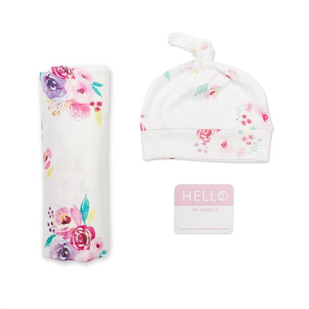 Lulujo Hello World Blanket and Knotted Hat Set Poises Newborn