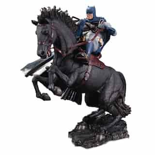 Batman: The Dark Knight Returns - A Call to Arms - Mini Battle Statue