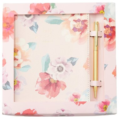 GIFT BOX SMALL REFILLABLE SPRIAL JOURNAL AND PEN BEST GRANDMA