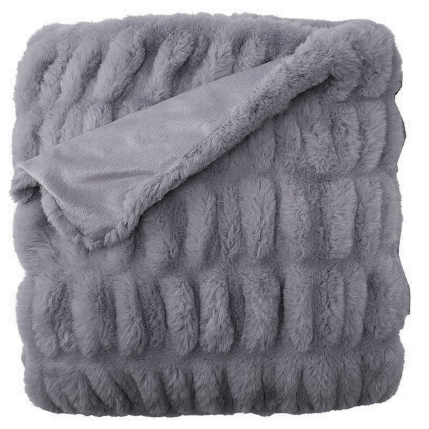 RUCHED FAUX-FUR THROW BLANKET – SOFT CHARCOAL