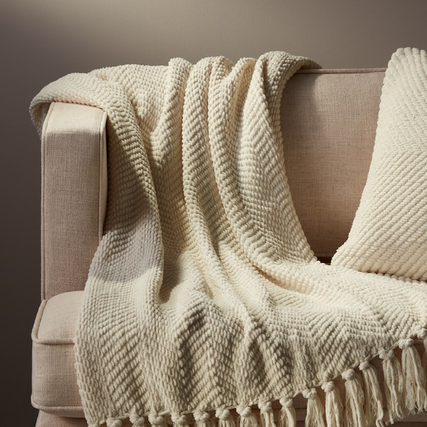 OUI CHEVRON CHENILLE THROW BLEACHED STONE