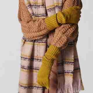 LOVE AND LORE RIBBED GLOVE CITRON