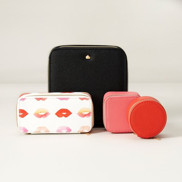 LOVE AND LORE 4-PIECE JEWELRY BOX BLACK KISSES