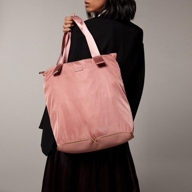 PACKABLE NYLON TOTE ROSE