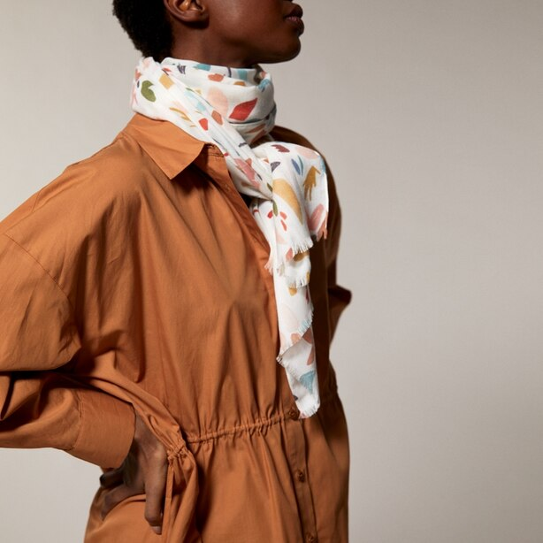 LOVE AND LORE PRINTED TWILL SCARF WILLIAMS FLORAL IVORY