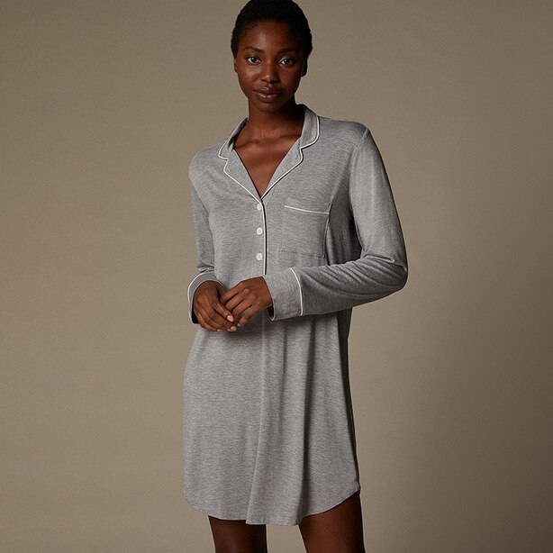 LOVE AND LORE PIPED HENLEY SLEEP SHIRT HEATHER GREY SMALL