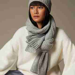 Love AND Lore CHEVRON SCARF HEATHER GREY