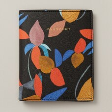 LOVE AND LORE PASSPORT HOLDER MOOD FLORAL