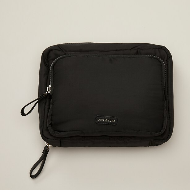 LOVE AND LORE PUFFER TOILETRY BAG BLACK