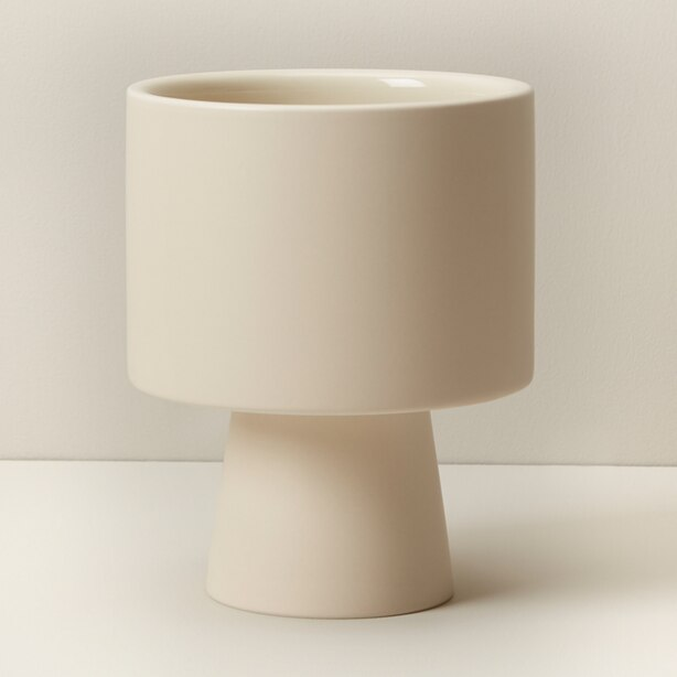 OUI PEDESTAL PLANTER BISQUE MEDIUM