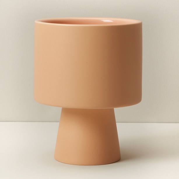 OUI PEDESTAL PLANTER LIGHT ROSE MEDIUM