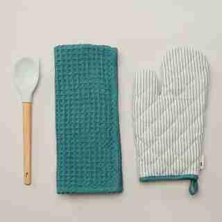 OVEN MITT, TEA TOWEL & UTENSIL SET, SPIRAL