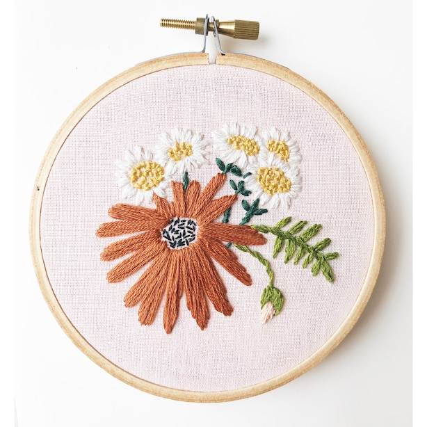 Retro Daisies Embroidery Kit