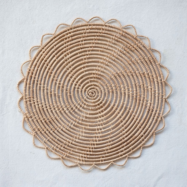 ROUND PALM PLACEMENT NATURAL
