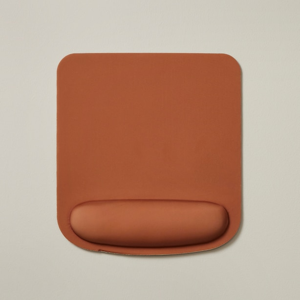 MOUSEPAD WITH WRIST SUPPORT, COGNAC